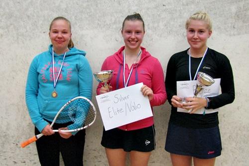 Tytöt alle 19 menestyjät: 3. Sanna Koivumäki ESRC, 1. Maarit Ekholm HSRC & 2. Riina Koskinen HSRC